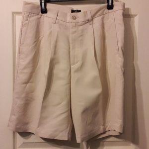 Dockers Baja Golf shorts for men size 34.